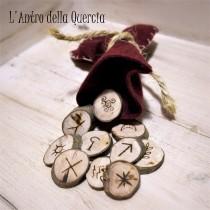 Set rune delle streghe in olivo, stregoneria