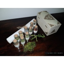 Witches Herb Box- 13 Erbe della Strega con cofanetto in legno pirografato a mano