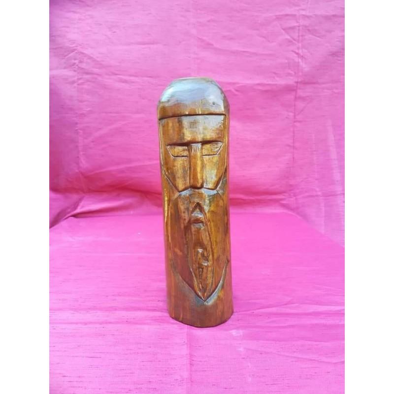 Statuetta in legno magica per la salute