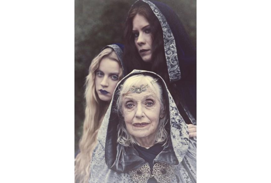 Hekate : 10 modi per includere la dea della stregoneria nella tua magia