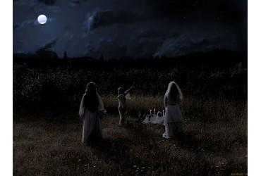 24 modi per celebrare e connettersi alla luna piena.