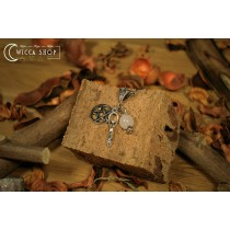 Collana con pentacolo, dea madre e pietra lunare